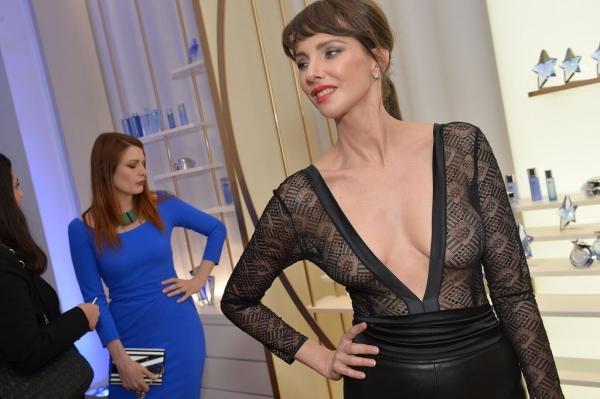 4a3b0c77a5839 Frédérique Bel sexy