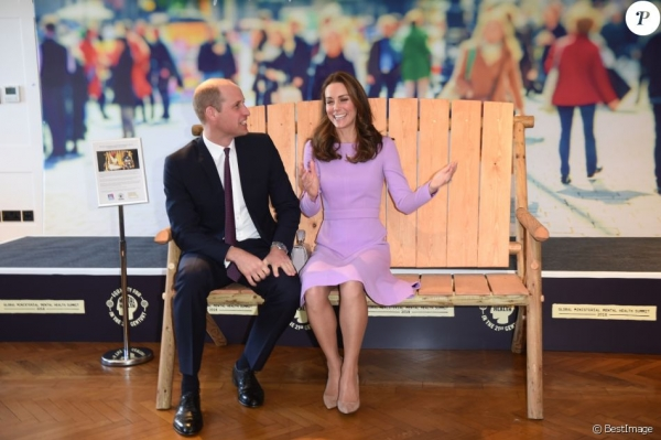 Kate Middleton : Sublime dans une robe recyclée et hilare au côté de William