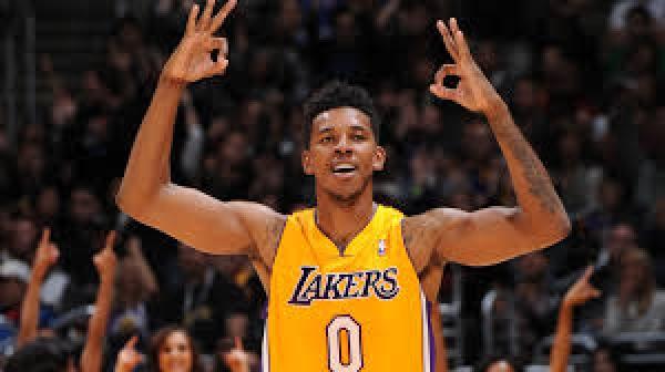 f7e4807199cb D'Angelo Russell isolé dans le vestiaire des Lakers ?